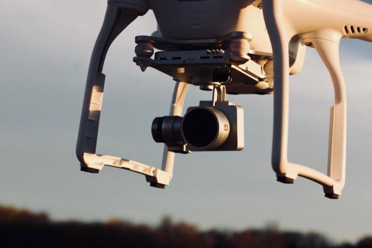 Coraz więcej branż i osób czerpie korzyści z używania dronów